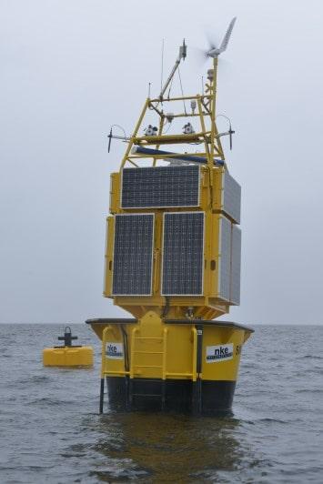 Bouée SIMEO : station de surveillance de l'écosystème marin